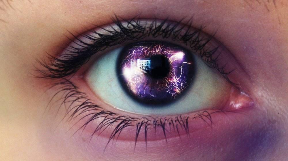 Фиолетовый цвет глаз - значение, особенности