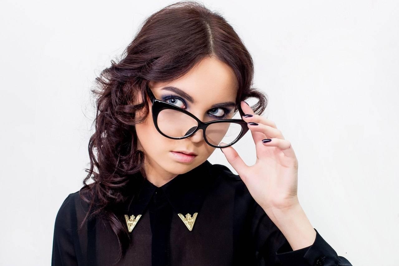 Очки нулевки с линзами без диоптрий как подобрать, женский и мужские, вредны ли - 103doctor.ru