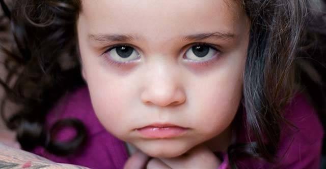Почему у ребенка появляются мешки под глазами?