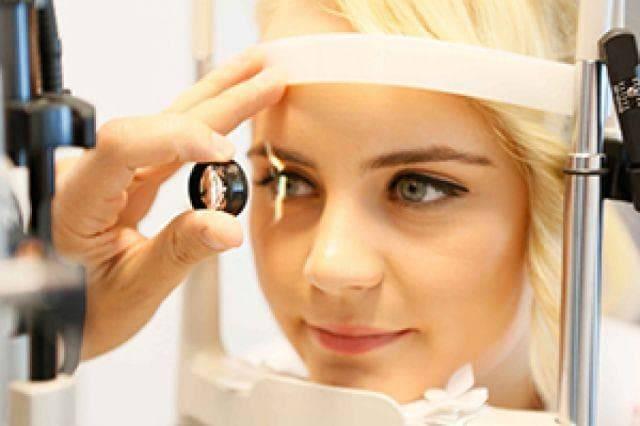 Лечение косоглазия у взрослых - как лечить и исправить, лечится ли, если косят глаза, операция, что делать в домашних условиях сходящееся