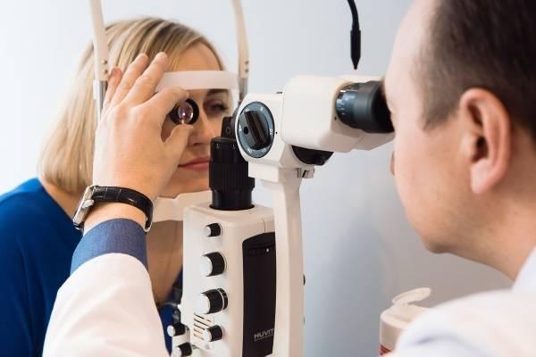 Что представляет собой биомикроскопия глаза: особенности и порядок проведения