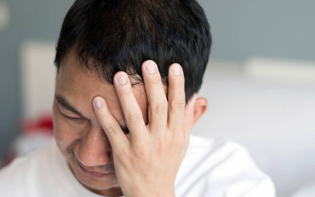 Болит голова и больно двигать глазами в стороны