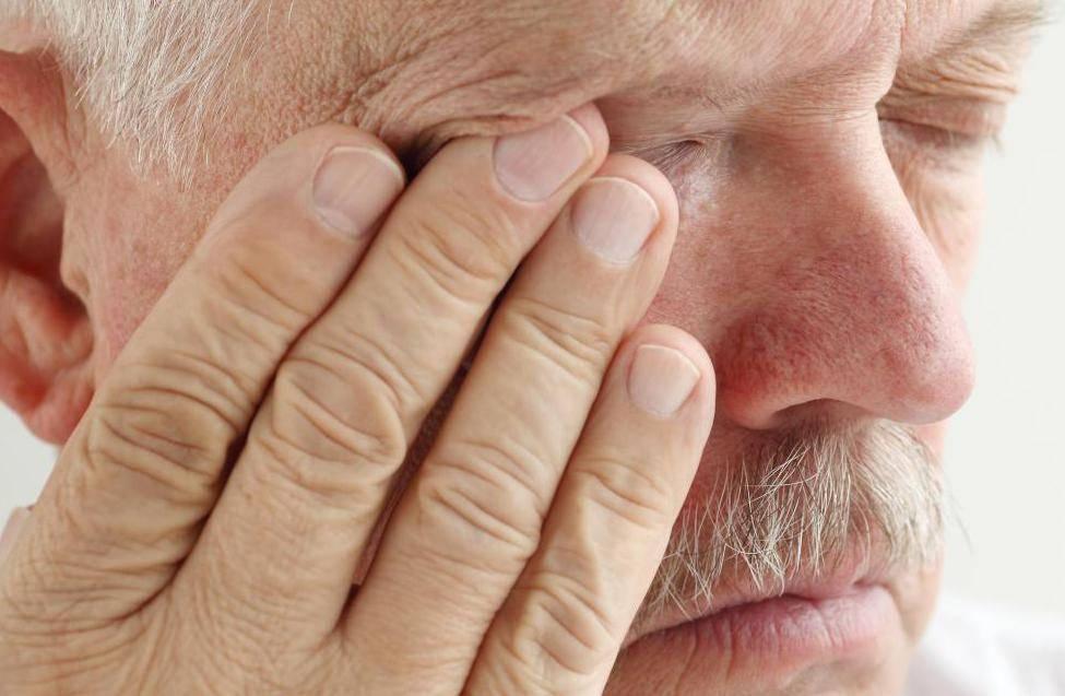 Глазные капли от слезотечения