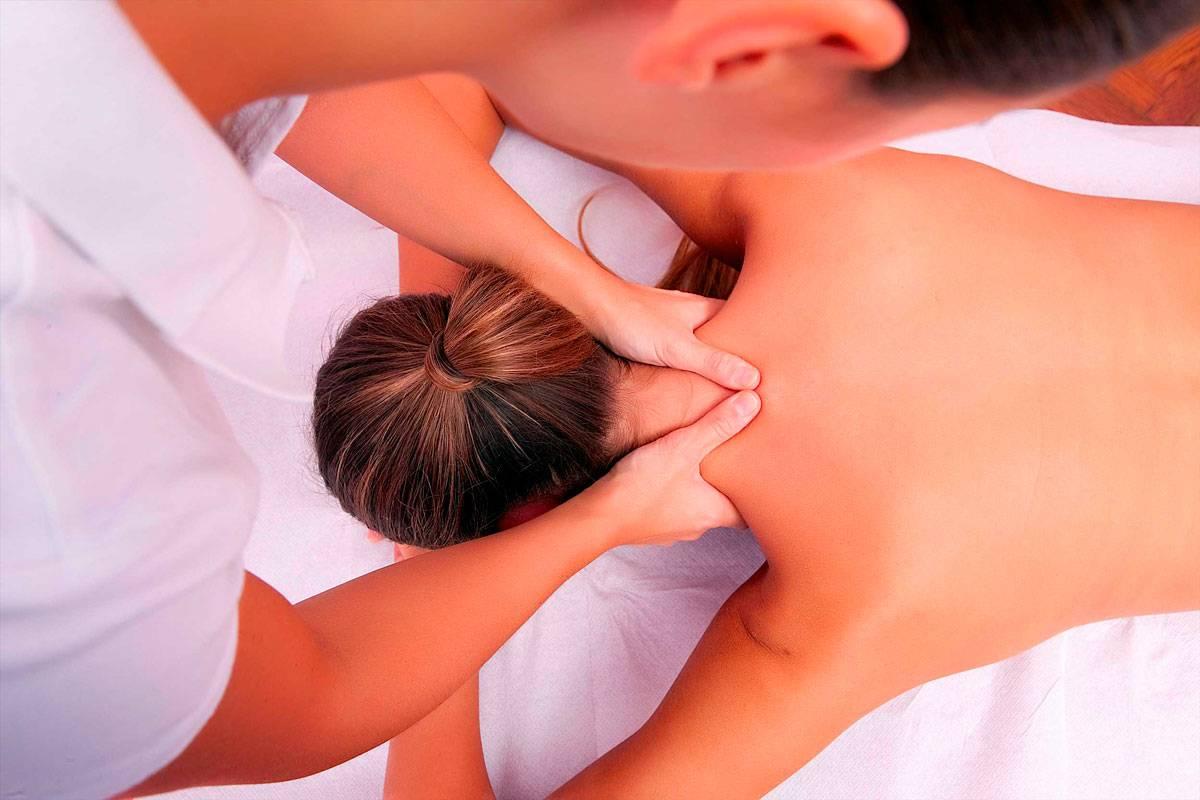 Как делать массаж шейно-воротниковой зоны: различные техники, видео