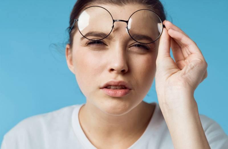Плохо вижу вблизи: что делать и как лечить, как называется заболевание, минул или плюс, причины