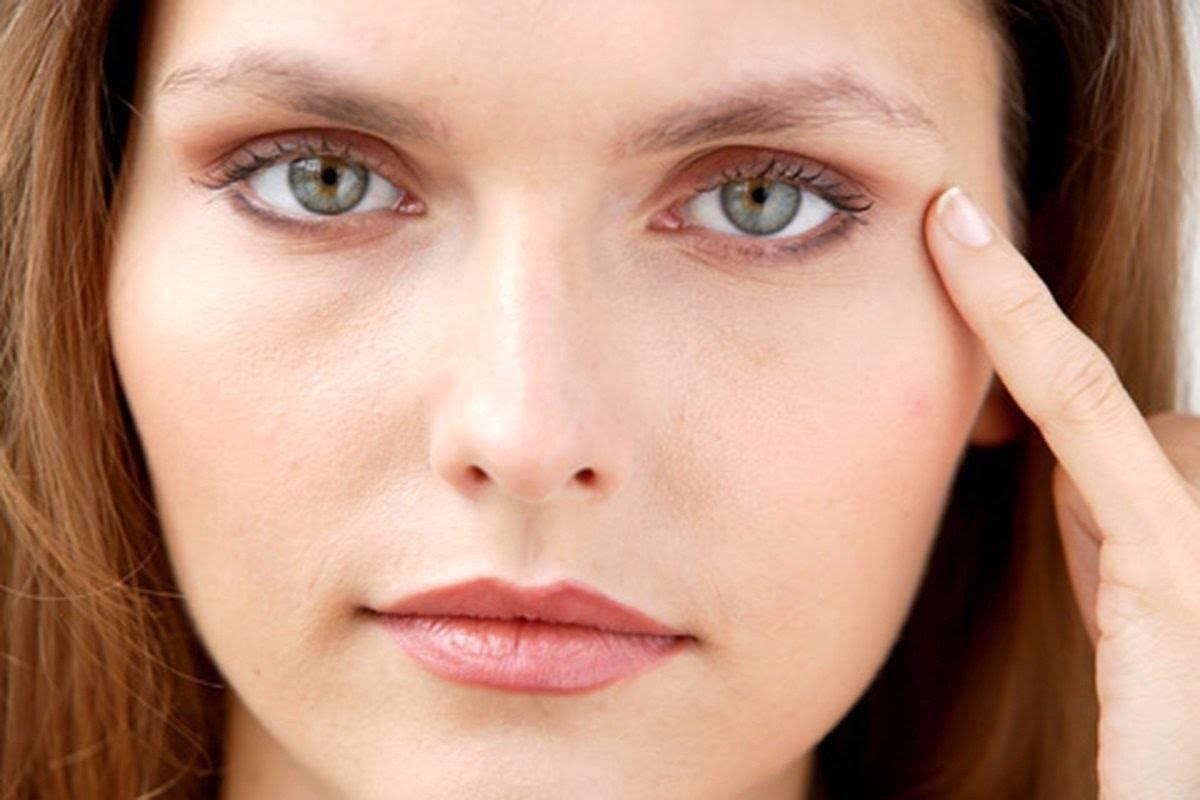 Почему появляются желтые круги под глазами: причины и лечение?