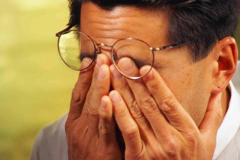 Болят и краснеют глаза от компьютера: что делать для их защиты