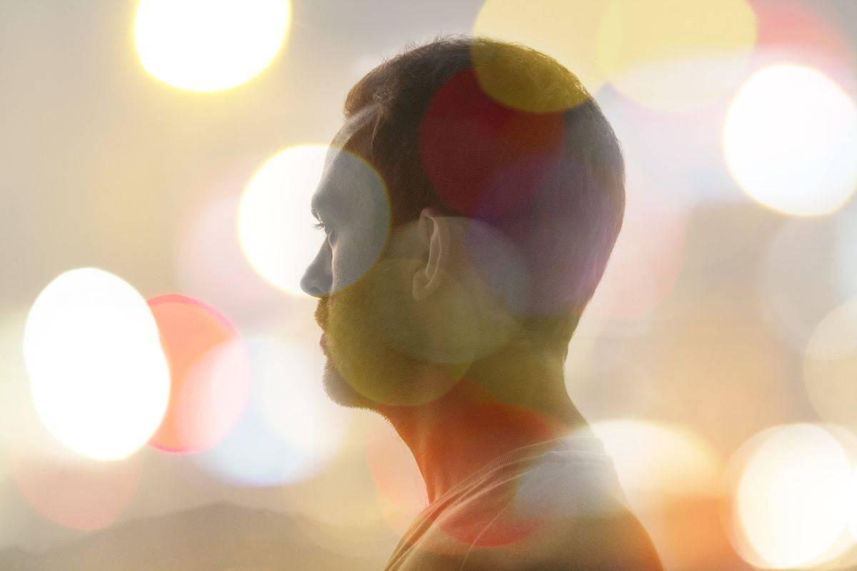 Пелена перед глазами: причины появления у человека, что это когда все расплывается, глаз плохо видит, лечение, белая, черная и красная