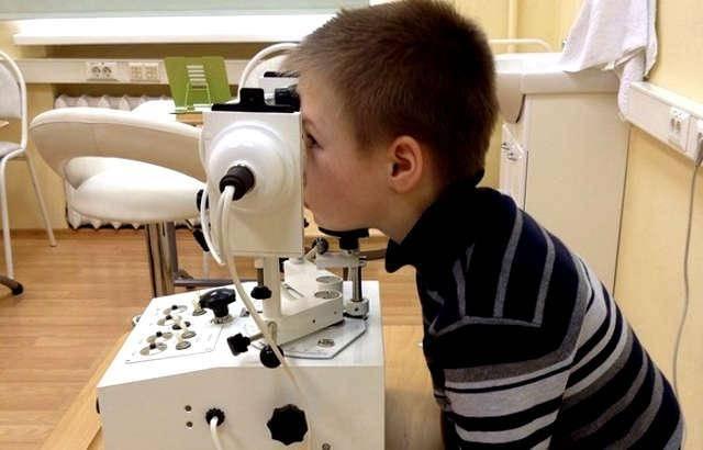 Аппаратное лечение зрения в москве
