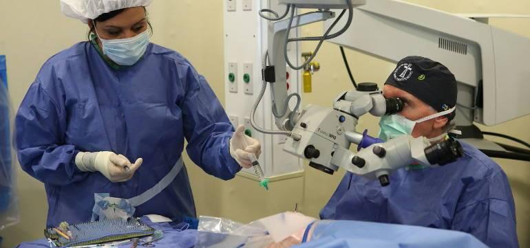 Отслоение сетчатки глаза: виды патологии и стоимость операции по устранению отслойки сетчатой оболочки