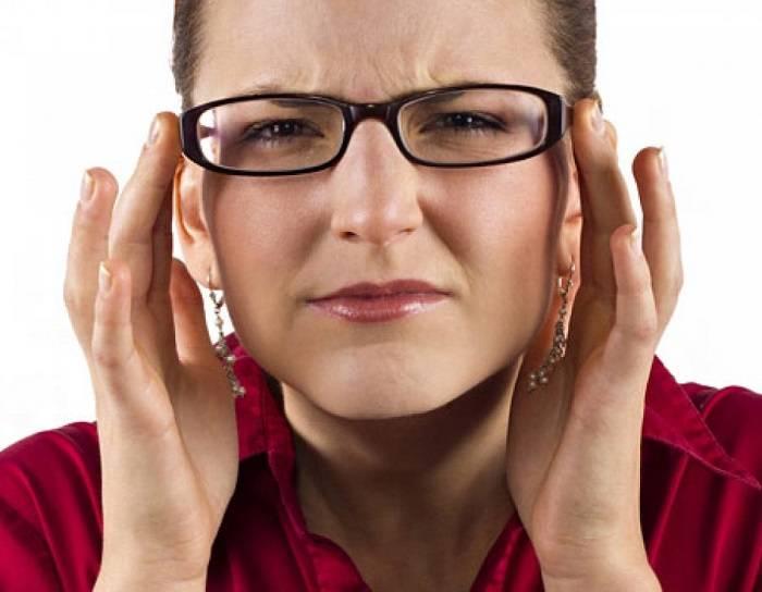 """Дальнозоркость: это """"плюс"""" или """"минус"""" зрения, причины развития, симптомыи признаки гиперметропии у взрослых, лечение"""