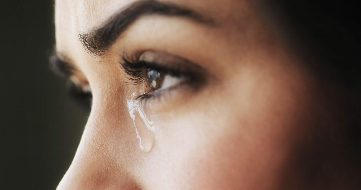 Что делать чтобы не болели глаза после слез