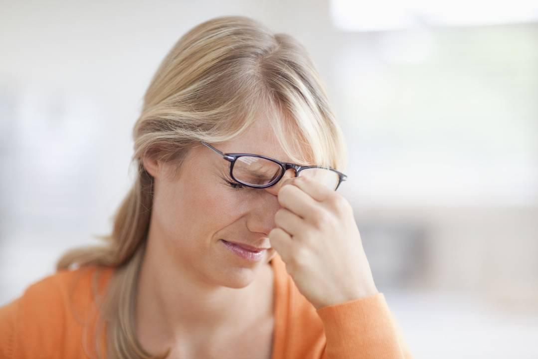 Сильно болит голова ухудшилось зрение