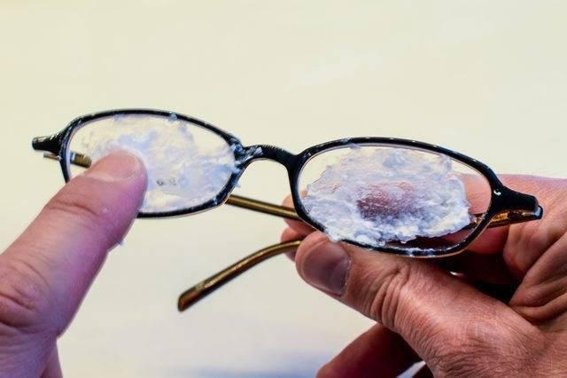 Как убрать царапины с очков: эффективные методы и рекомендации