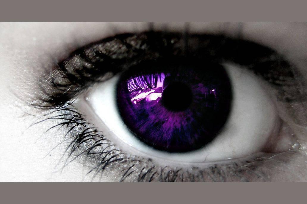 Фиолетовый цвет глаз: мистификация или реальность