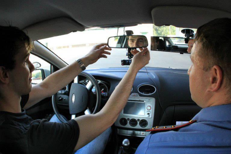 С каким зрением допускается вождение автомобиля по закону