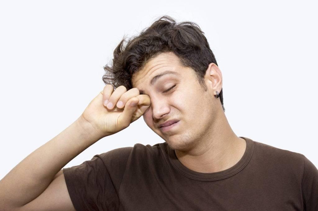 Тяжесть в глазах как будто хочется спать - причины тяжелых век