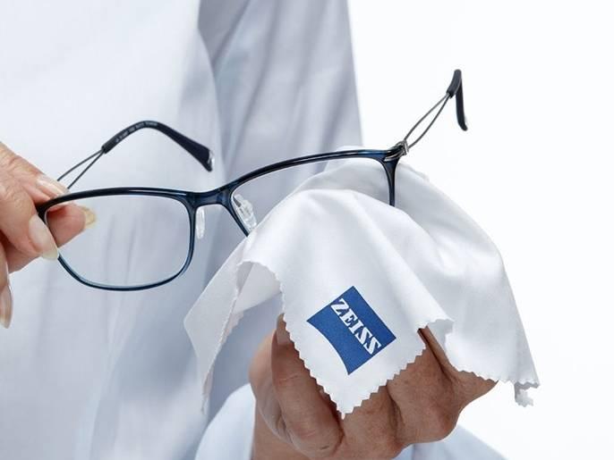 Как правильно ухаживать за очками для зрения