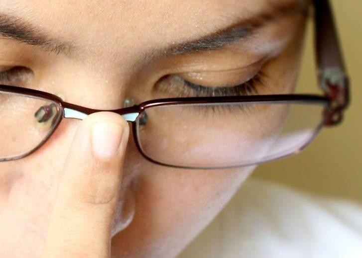 Как правильно ухаживать за очками ? чем протирать очки для зрения ? полезные советы