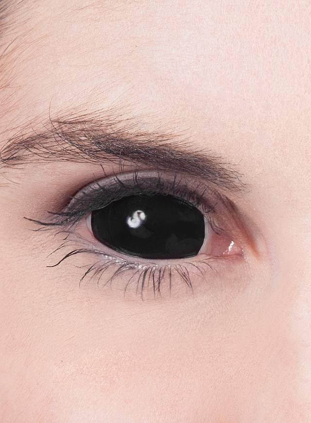 Как носить черные декоративные линзы на весь глаз и ухаживать за ними
