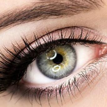 Глаза болотного цвета