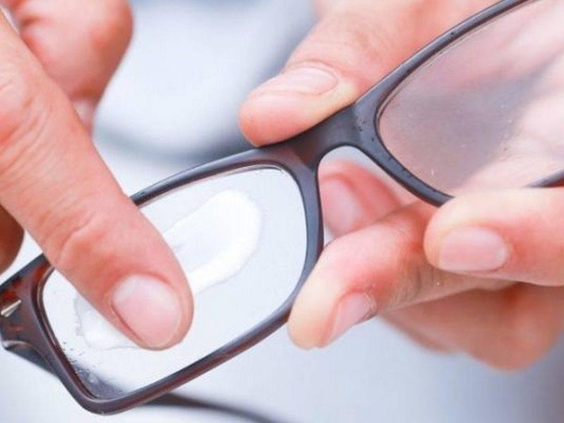 Как убрать царапины с очков, чем можно избавиться от царапин на солнцезащитных линзах