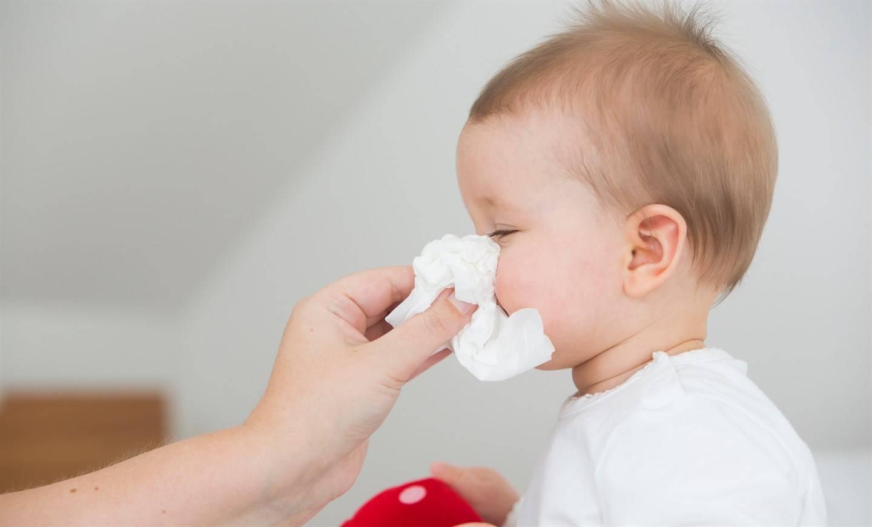 При простуде у ребенка красные глаза: причины, лечение