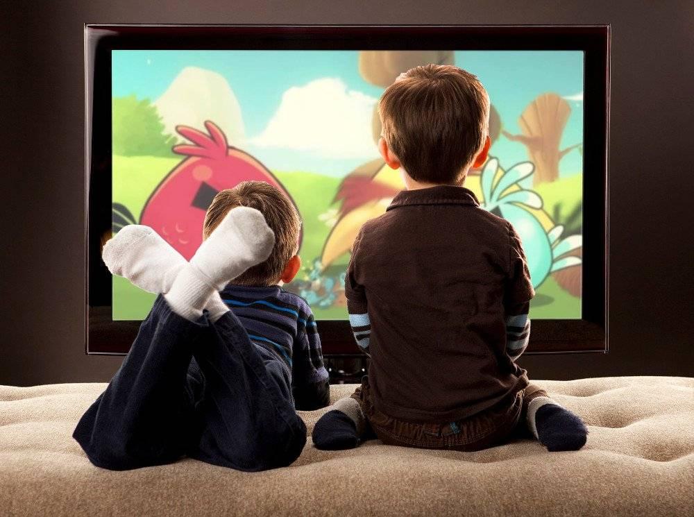 Вредно ли смотреть телевизор лежа - правильное лечение
