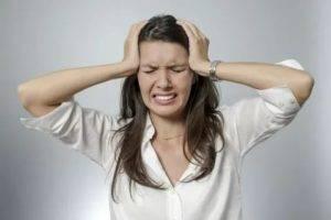 Что делать если дергается глаз? методики лечения блефароспазма.