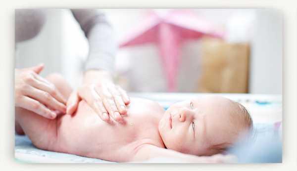 Возможные причины закатывания глаз наверх у новорожденных: симптомы, опасно ли это