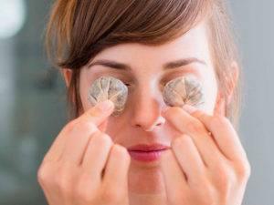 Тестируем народные средства от синяков под глазами: что на самом деле помогает