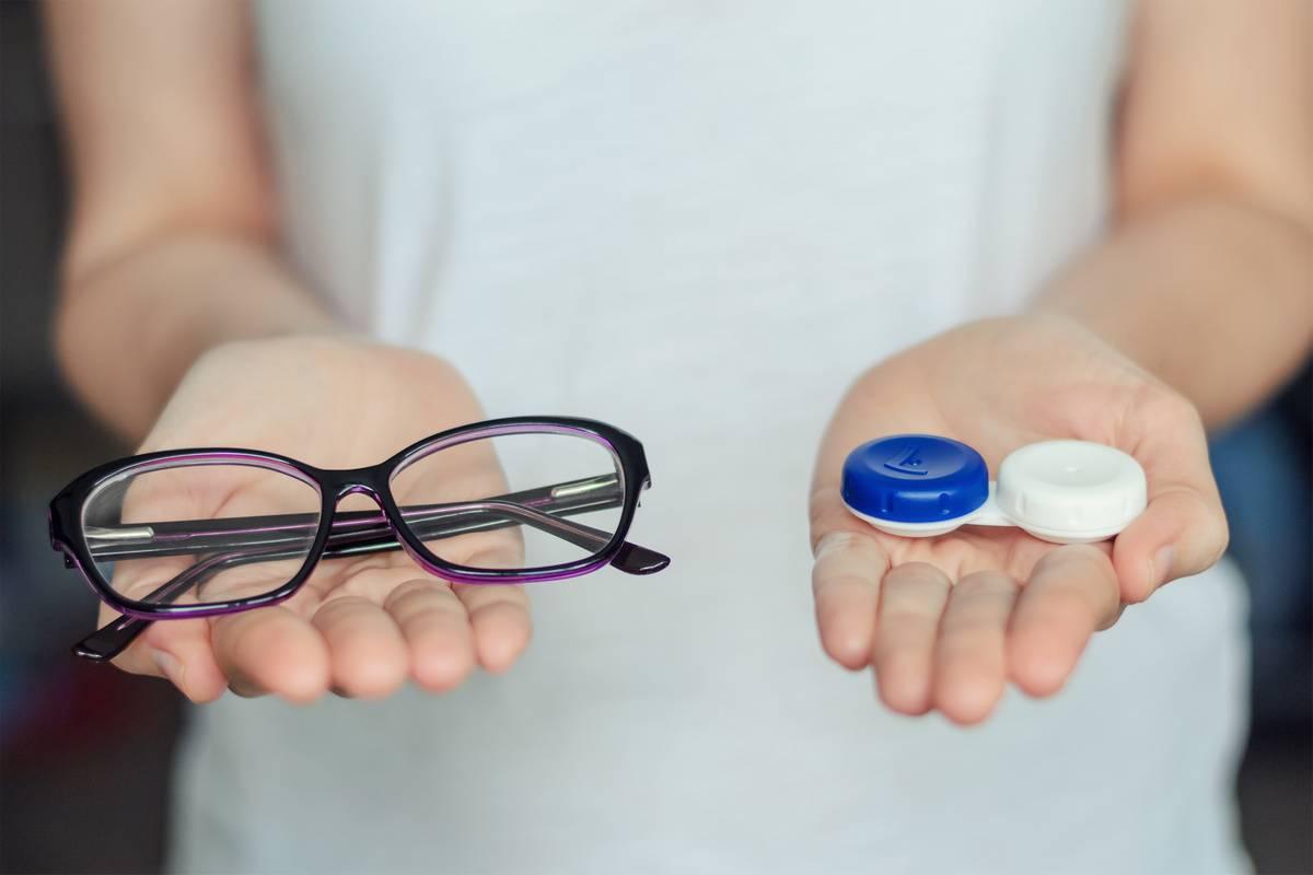 Очки или линзы: сравнение, особенности и что лучше | в чем разница