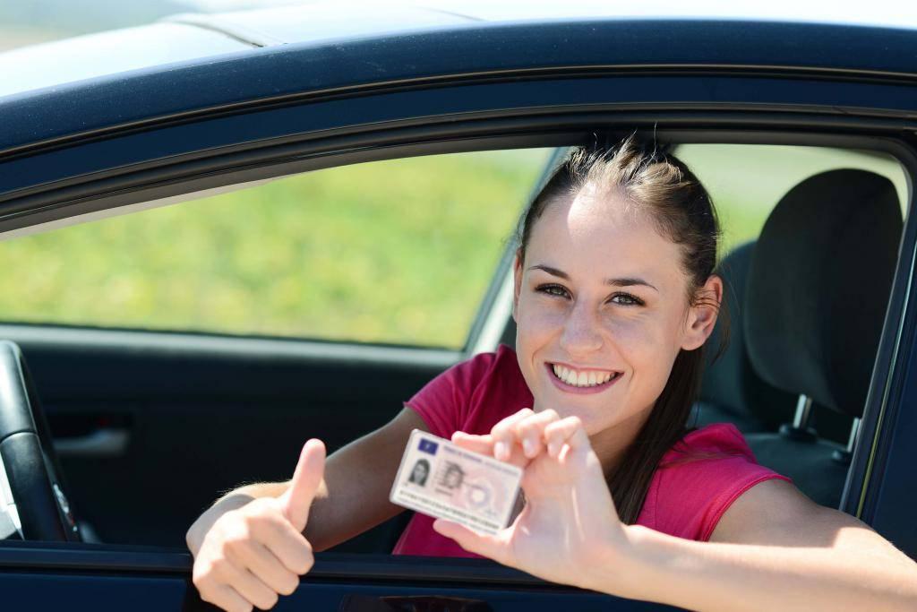 Как получить права и водить машину с одним глазом