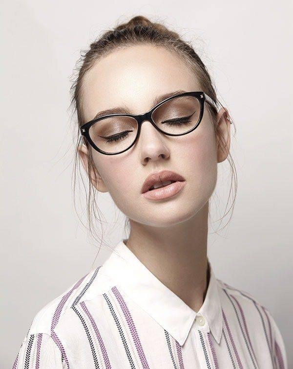 Женские оправы очков для зрения 2019 - модные тренды, тенденции, 50 фото