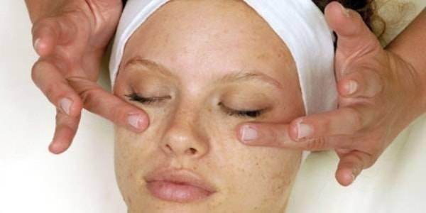 Лимфодренажный массаж лица от отеков под глазами: техника выполнения в домашних условиях, показания (мешки, синяки, морщины), противопоказания
