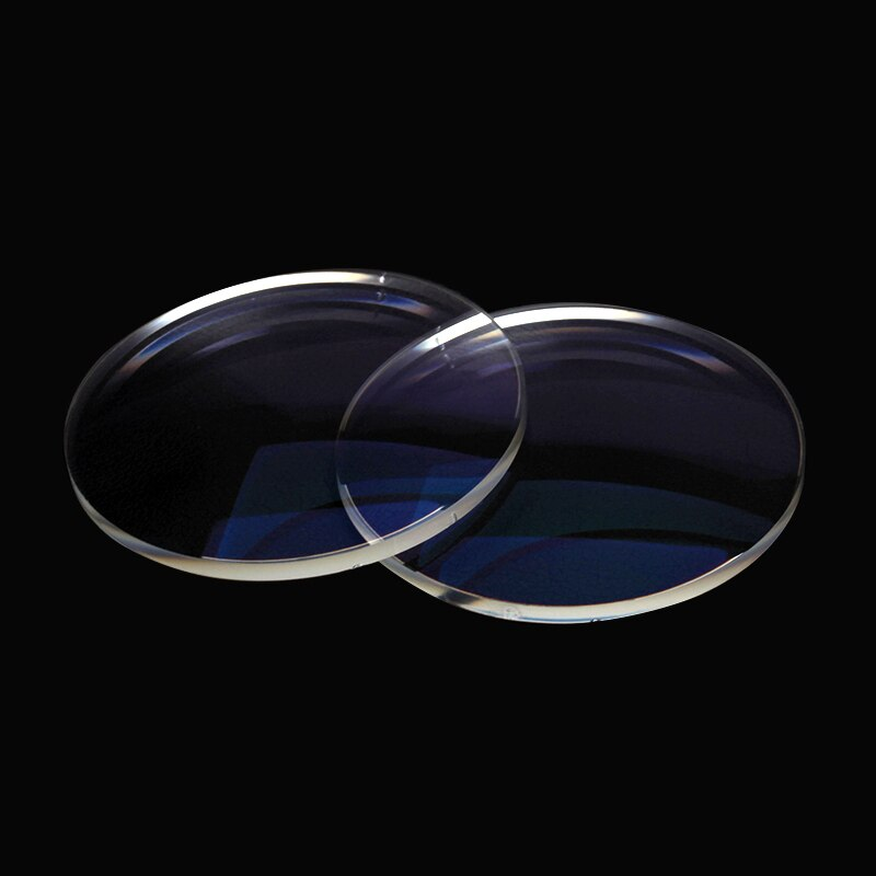 Стеклянные или поликарбонатные линзы для очков: какие лучше выбрать?