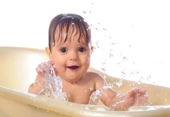 Можно ли купать ребенка при коньюктивите