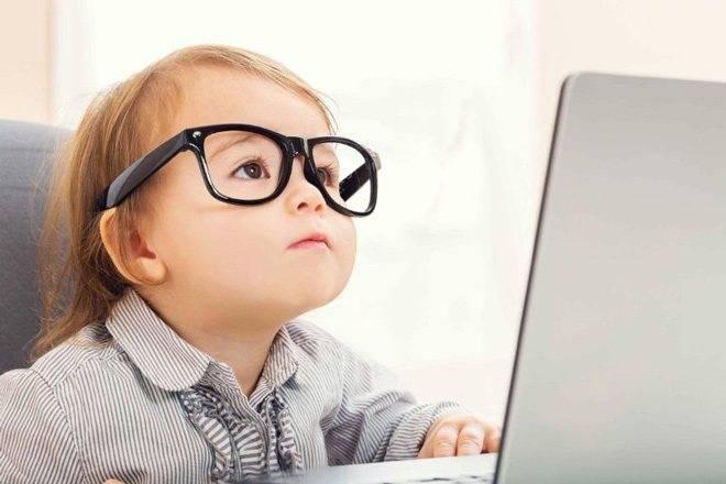 5 ошибок родителей, из-за которых у ребёнка портится зрение - лайфхакер