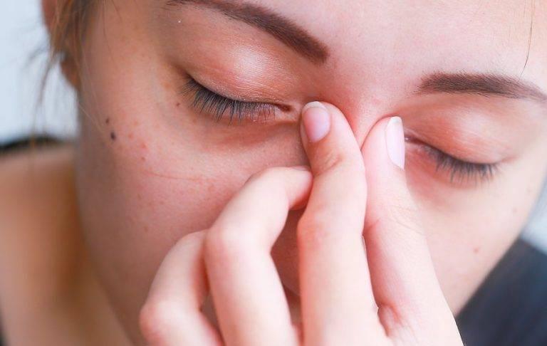 Причины и эффективные способы лечения красных глаз после сна