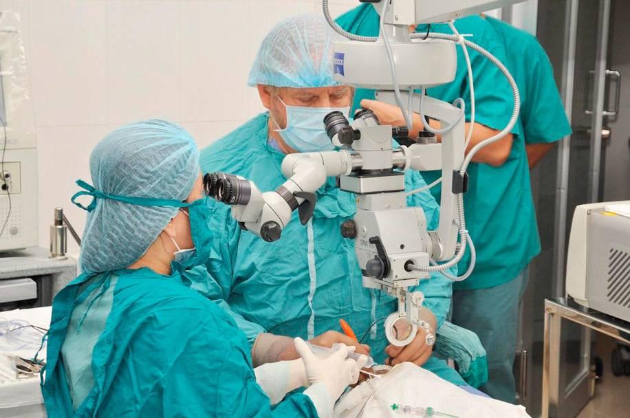 Операция на сетчатке глаза - как делают коагуляцию лазером и пломбирование, как проходит послеоперационный период и что нельзя после