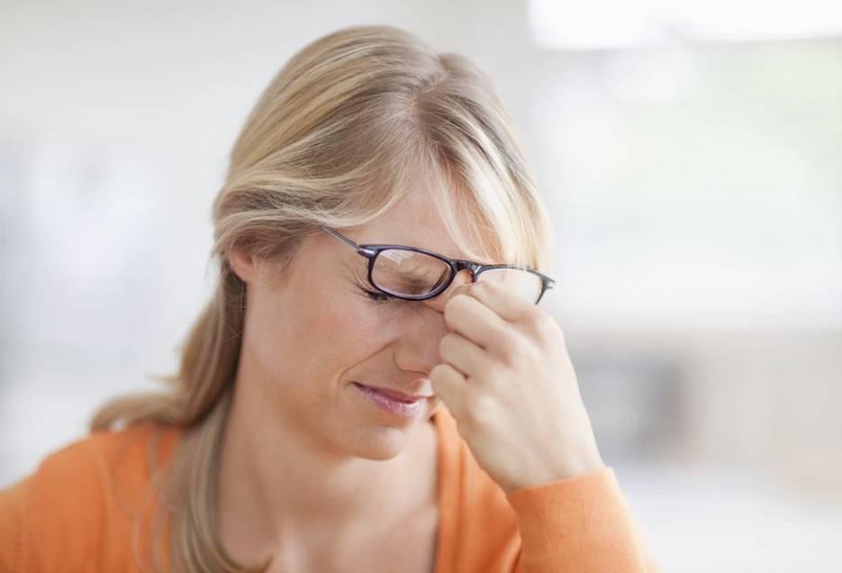 Болят глаза от света - причины, что делать в данной ситуации