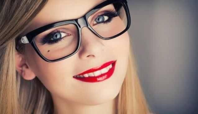 Правильный макияж под очки и его особенности