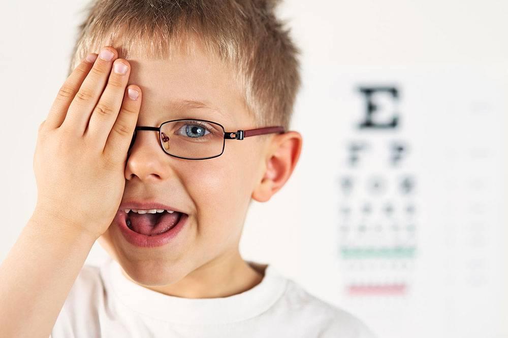 Ребенок жмурит глаза 1 год | babymother