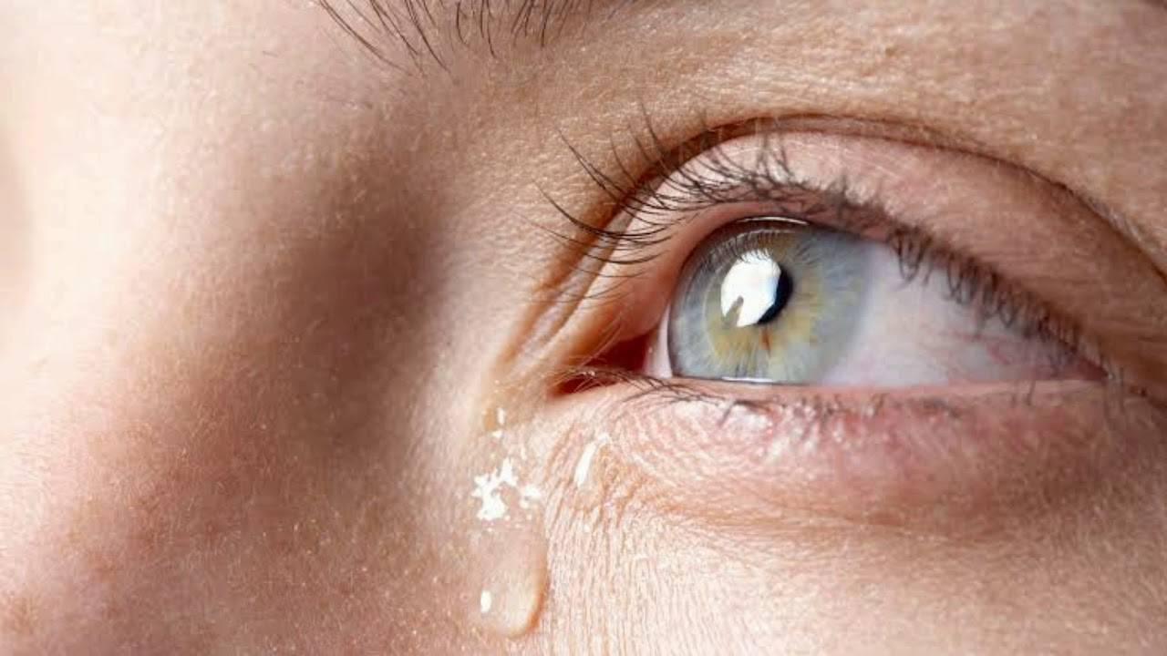 Причина слезотечения из одного глаза, что делать с недугом
