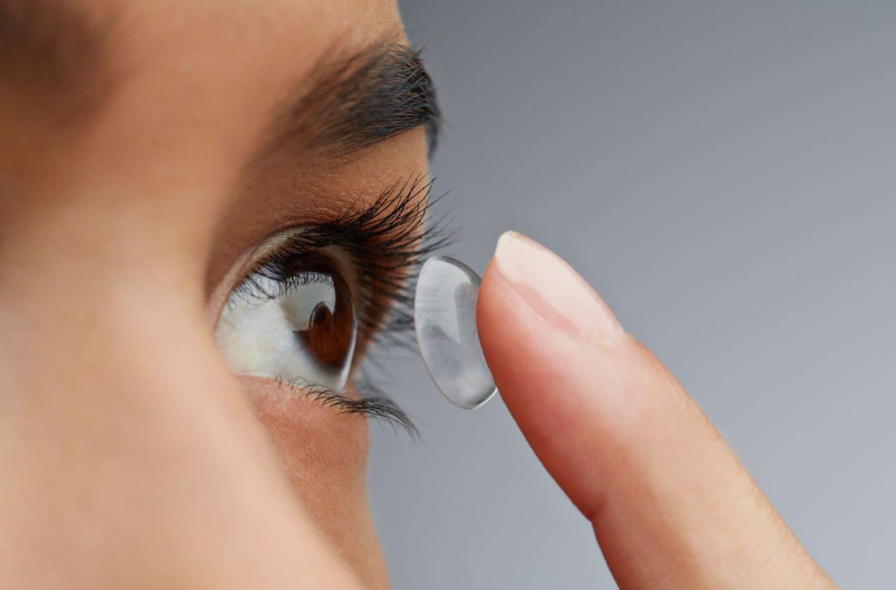 """Можно ли спать в контактных линзах? - """"здоровое око"""""""