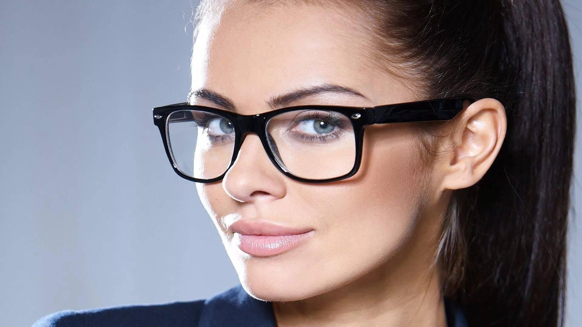Женские оправы очков для зрения – модные тренды 2019