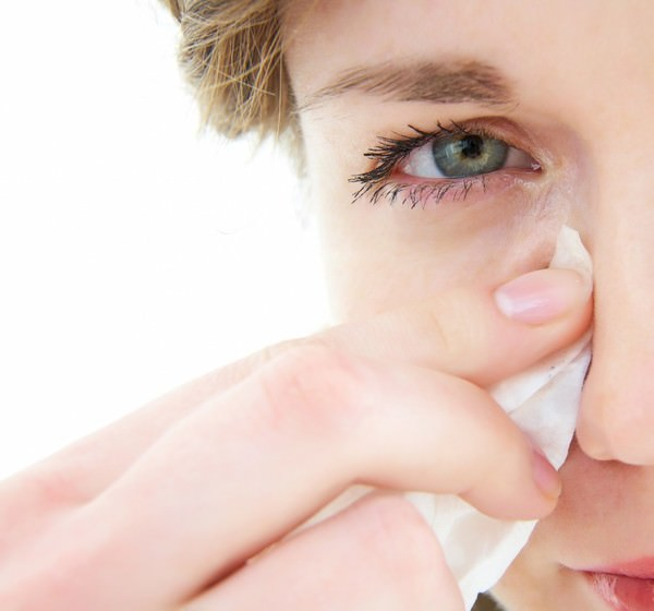 Глаза слезятся и красные: что делать, лечение   компетентно о здоровье на ilive
