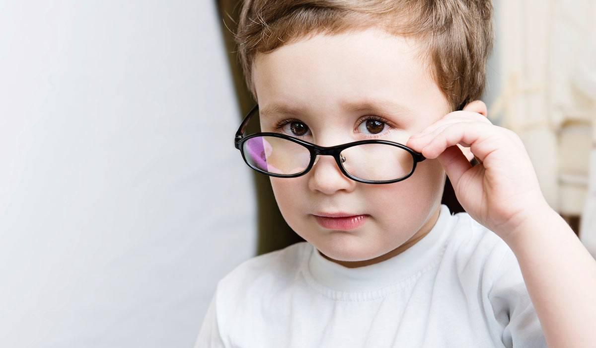 Очки от косоглазия для лечения взрослого и ребенка: подбор, виды (призматические, френеля, сидоренко), контактные линзы при страбизме