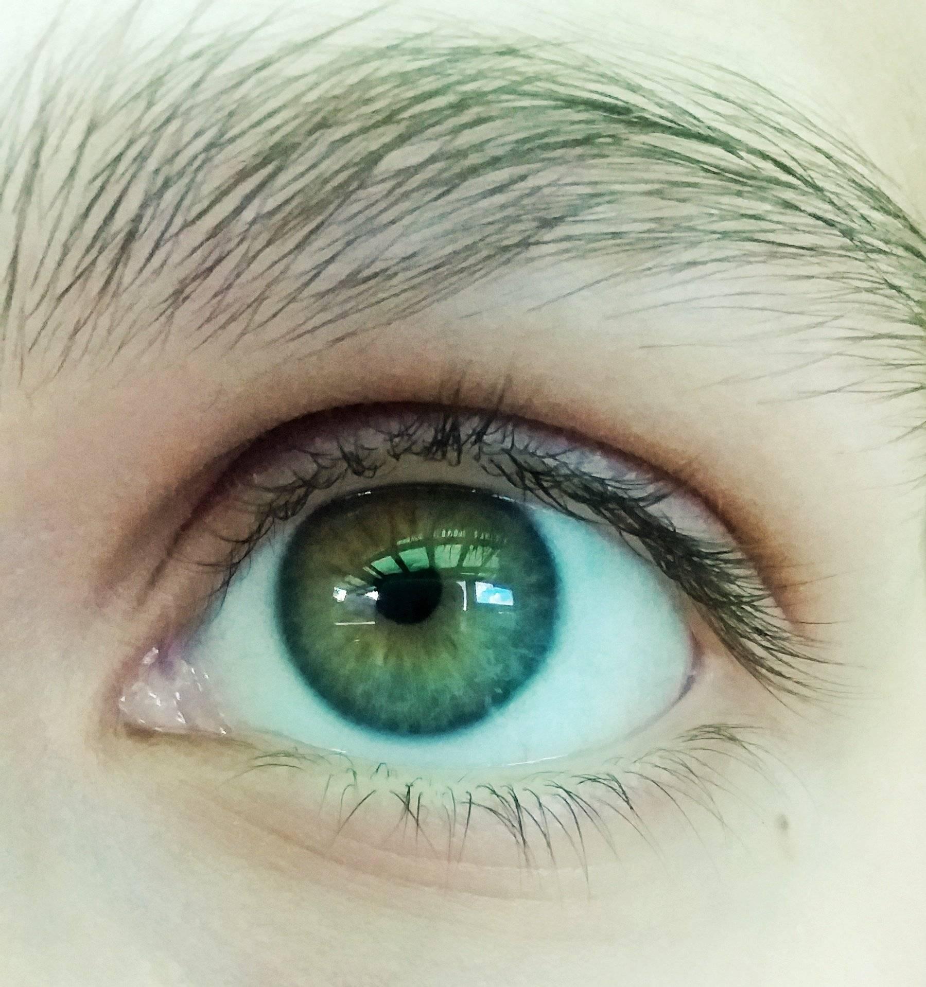 Почему меняется цвет глаз у взрослого человека: что на это влияет