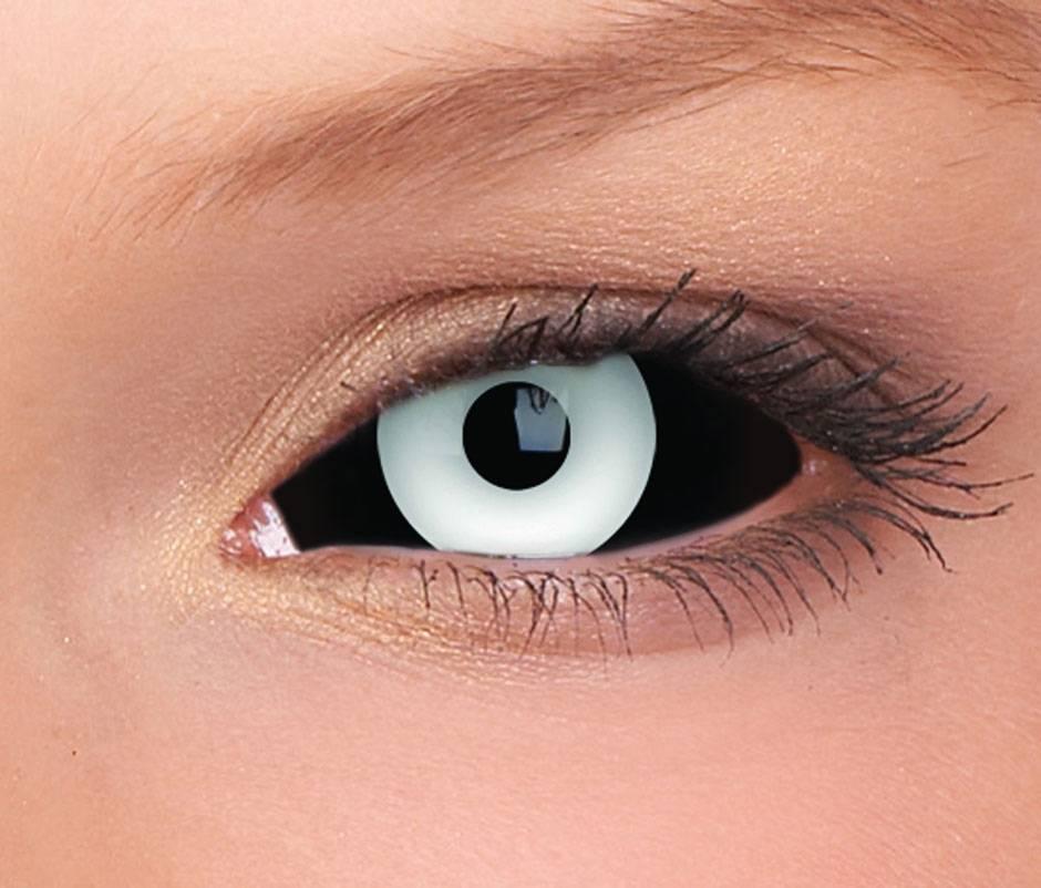Зачем нужны черные контактные линзы и как правильно их носить